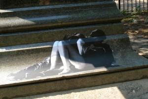 street-art-kiss